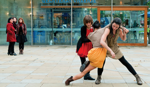 Photo: Meet Me Far From Gravity, a pop-up dance performance © PHOTO Richard Thomson
