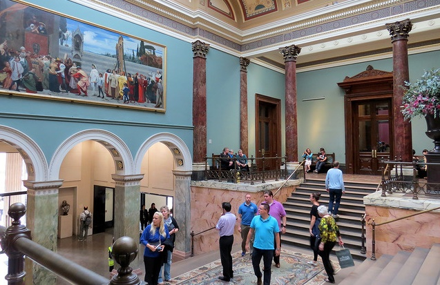 Foyer Museum London : Museum visitor numbers drop for the first time in a decade news