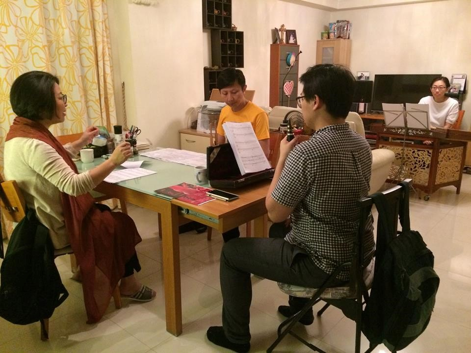 I arrived back home in Hong Kong yesterday. I spent the morning unpacking, doing house chores and running errands, and in the afternoon performed my daily two-hour ritual: practicing on the pipa. I finished the day with a full-evening session coaching musicians in 'The Frog Diary' by Law Sir (Law Wing-fai), which will be included in the European premiere of 'Beyond the Senses' on 15 July in London.