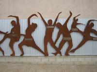 Photo of dancing sculpture
