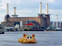 Photo of a giant sculpture of a hippo in the Thames
