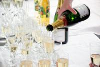 Photo of a table of Champagne