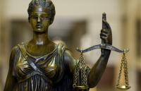 Photo of a statue of Blind Justice