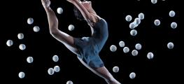 Photo of dancer with juggling balls