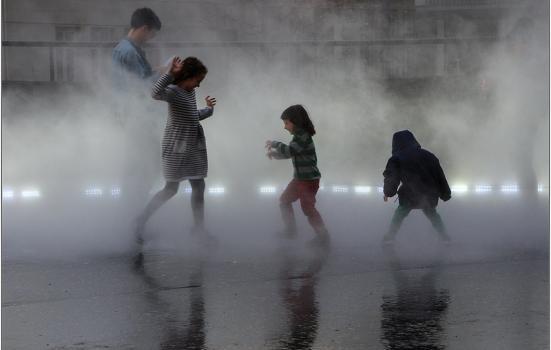 Children at art gallery exhibit