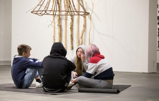Photo of children at an art gallery