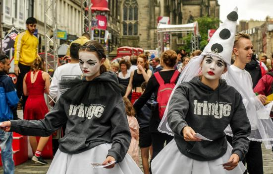 Photo of flyerers on the Royal Mile