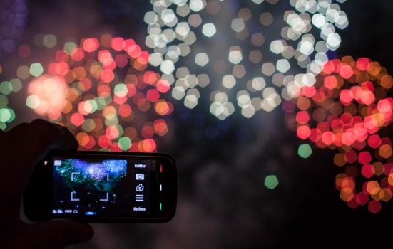 Taking photo of fireworks on phone