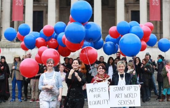 Photo of protest outside National Gallery