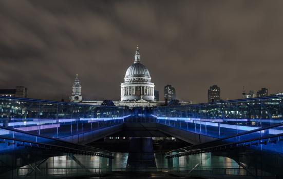 Millenium Bridge night