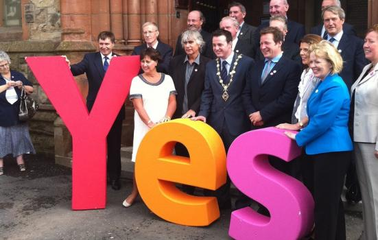 Photo of Derry/Londonderry celebrating winning the bid to be UK City of Culture 2013