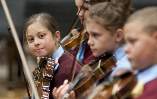 children playing violins